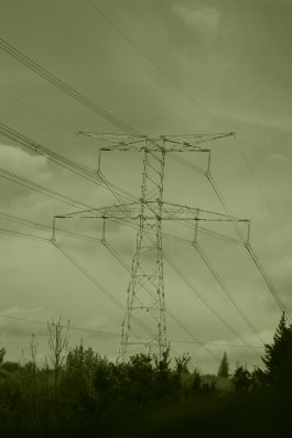Photo de poteau de ligne haute tension